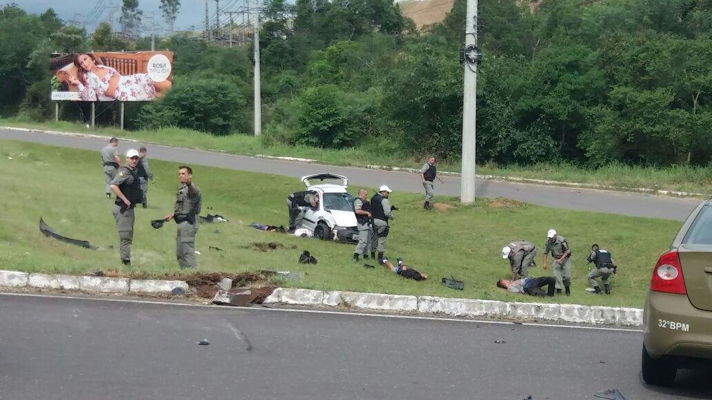 4cb7141411a Perseguição iniciada em Nova Hartz terminou em acidente e com suspeitos  detidos na RS-239