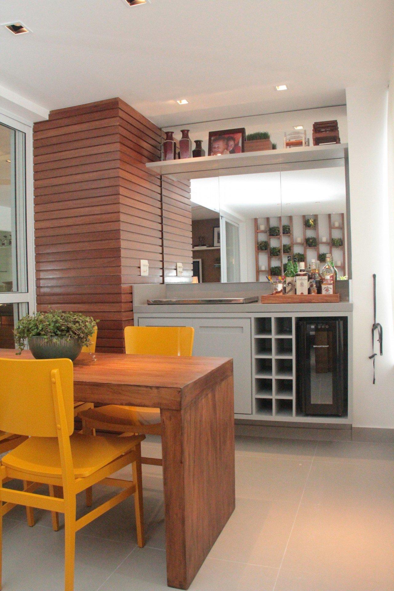 Varanda bem planejada pode se tornar o ambiente for Sala de estar gourmet
