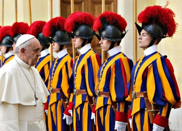 Resultado de imagem para Guarda Suíça do Papa