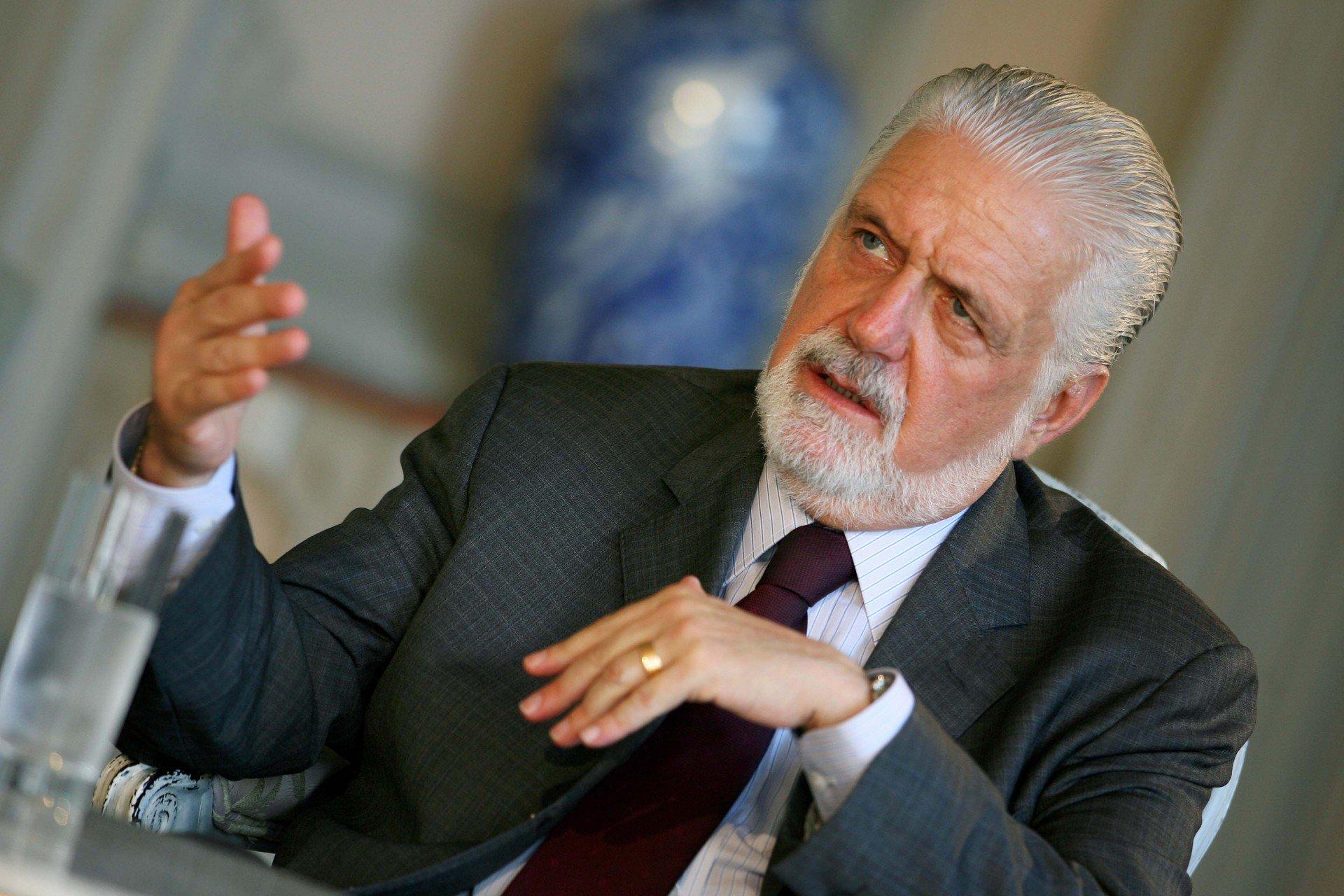 Ministro da Defesa Jaques Wagner representará Dilma na comemoração do Dia da Vitória