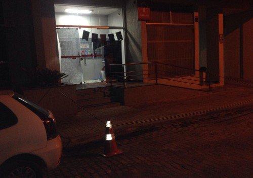 Agência bancária ficou isolada após tentativa de arrombamento de caixa eletrônico