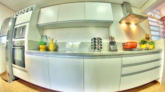 Charme da cozinha toda branca e Casa Cor RS em destaque no Decoração