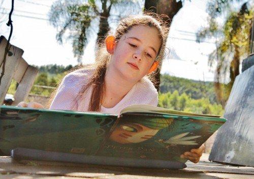Junto da natureza a leitura fica muito mais legal