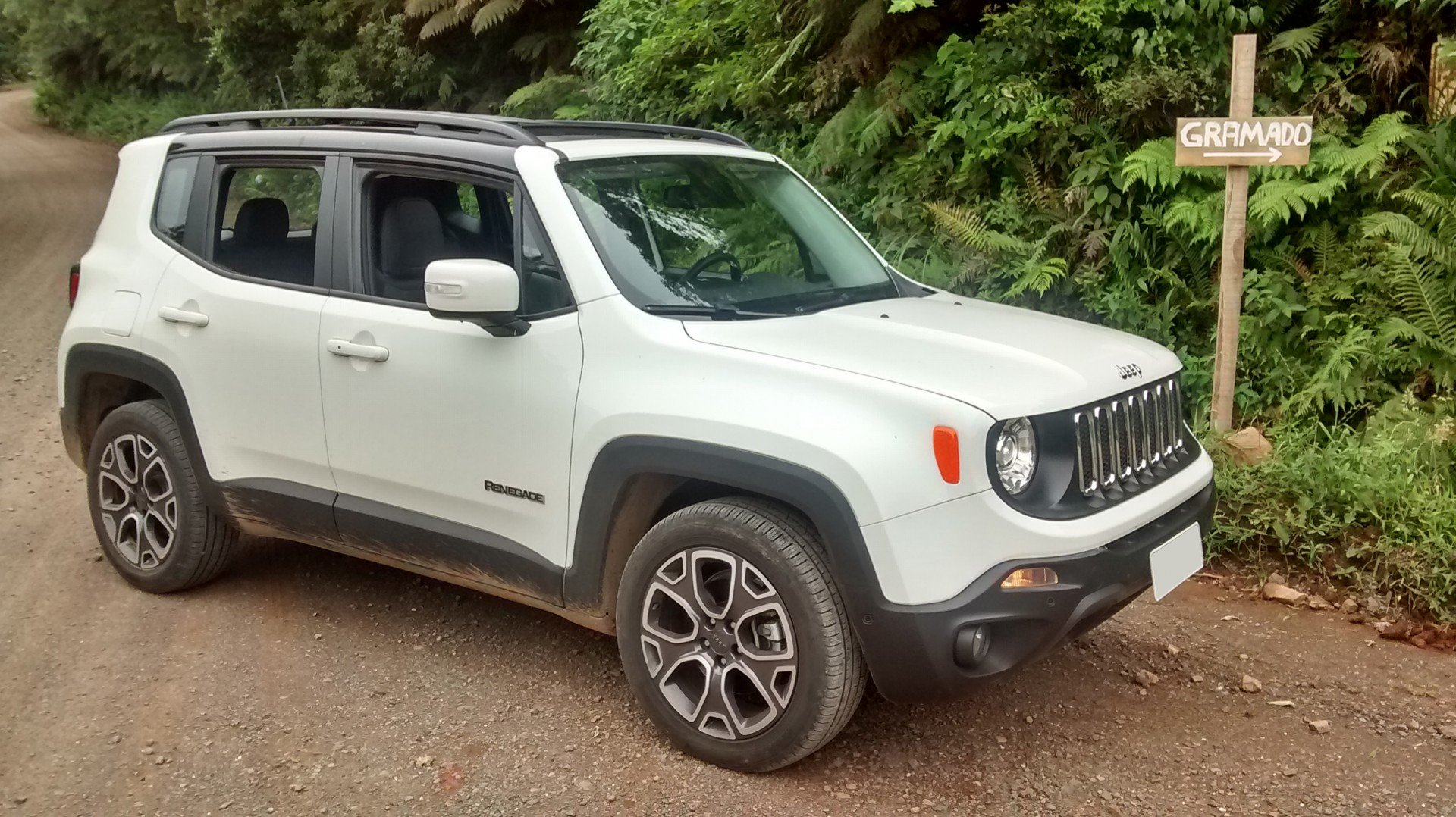 jeep renegade a diesel teste revela consumo de 15 2 km l motores jornal vs. Black Bedroom Furniture Sets. Home Design Ideas