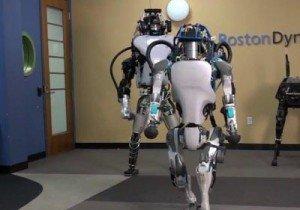 Robô Atlas, da Boston Dynamics, empresa controlada pela Google