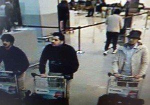 Imagem mostra três dos suspeitos dos ataques em Bruxelas