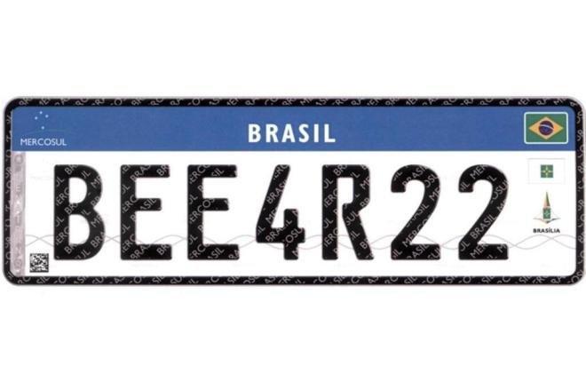 Veículos devem ter placas no padrão Mercosul até 2020
