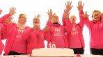 H� 10 anos, grupo 'Amigas de M�os Dadas' ajuda a mulheres com c�ncer