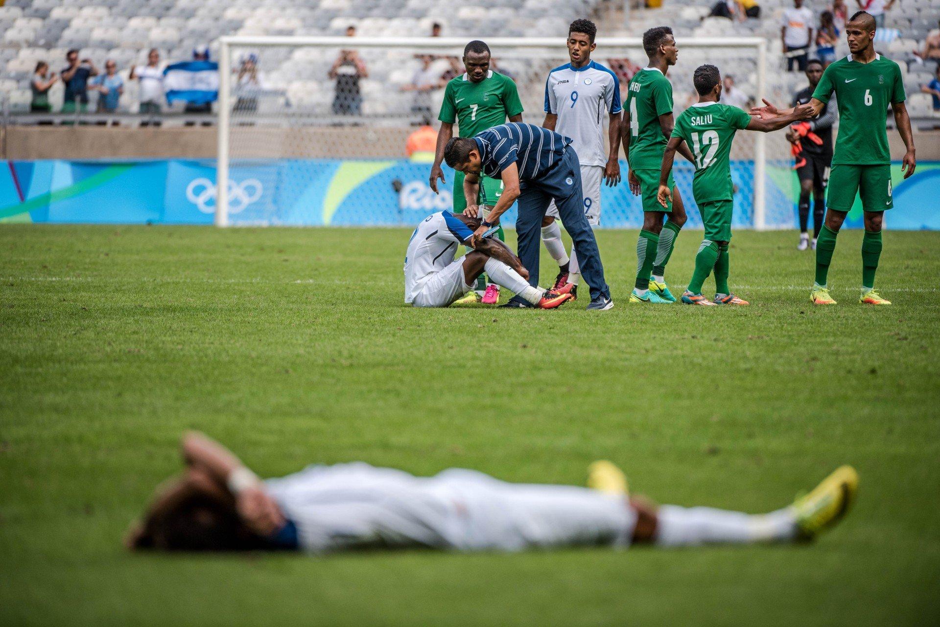 Nigéria faz 3 a 2 em Honduras e fica com o bronze no futebol ... c6cd2845c6c4a