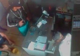 Câmeras de segurança flagram assalto em borracharia de Novo Hamburgo