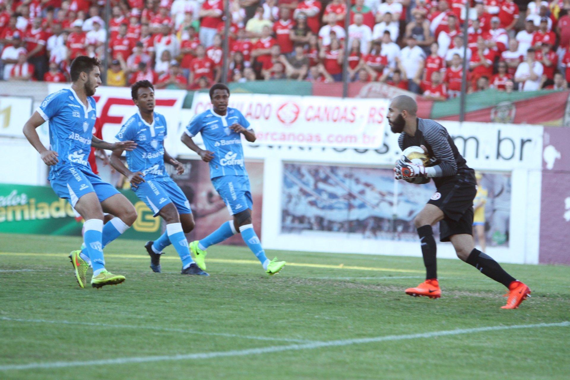 Internacional estreia na Série B com vitória sobre o Londrina
