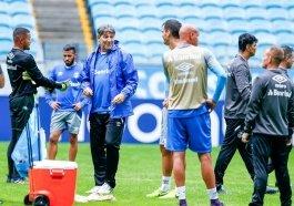 Renato promove mistério na escalação da equipe