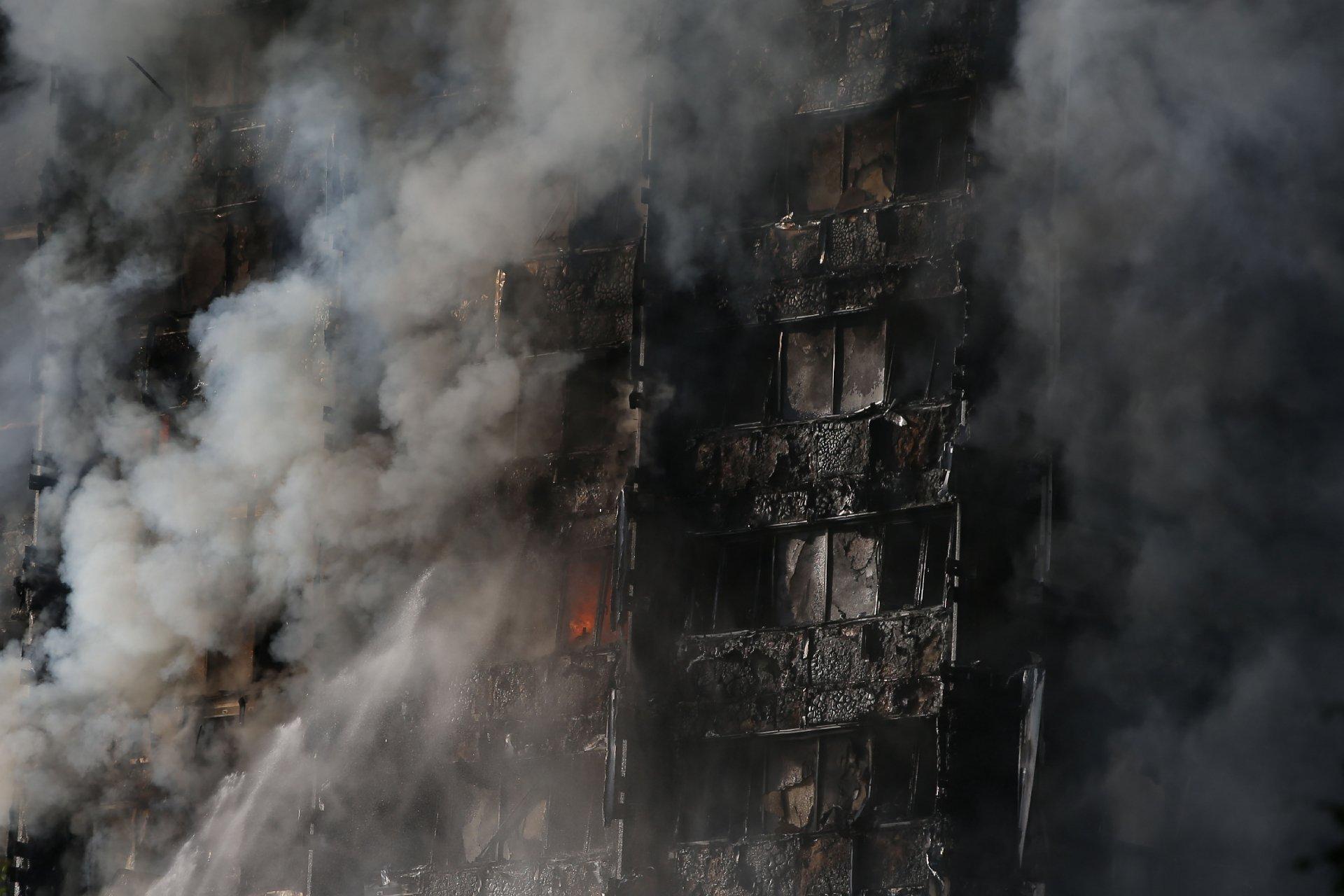 Pelo menos 58 pessoas consideradas mortas em incêndio de Londres