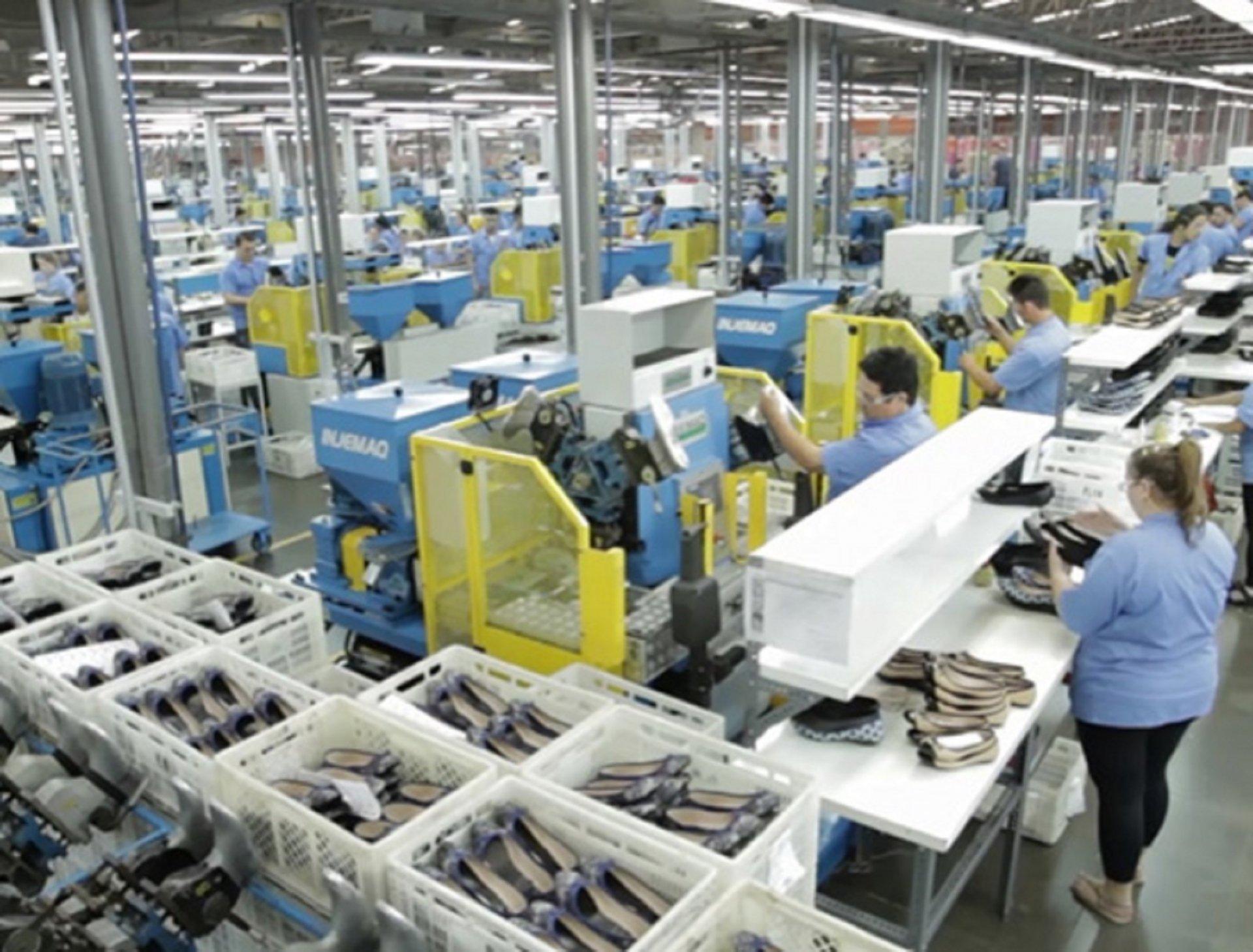 Companhia produziu 85 milhões de pares de calçados no ano passado