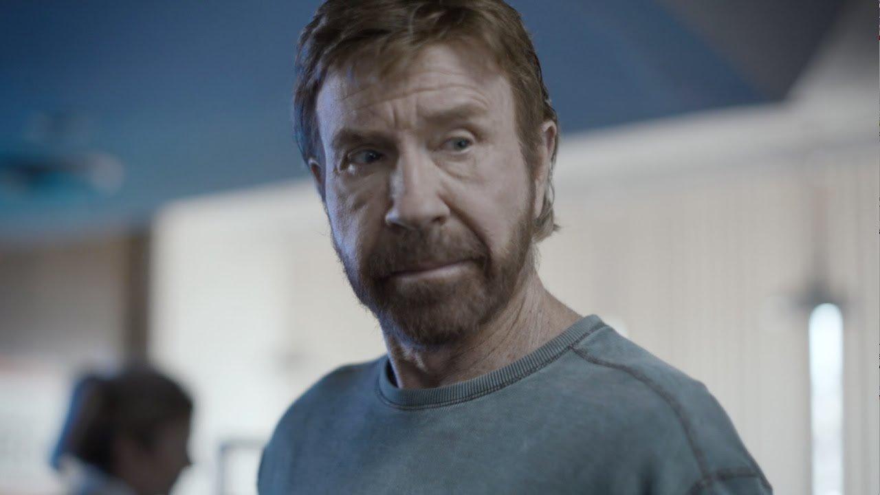 Chuck Norris sobrevive a dois enfartes numa hora