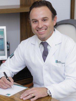 que especialista opera la hernia umbilical