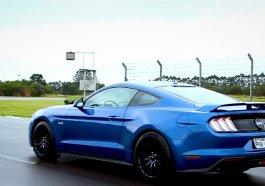 Ford Mustang chega ao Brasil com potência, velocidade e estilo