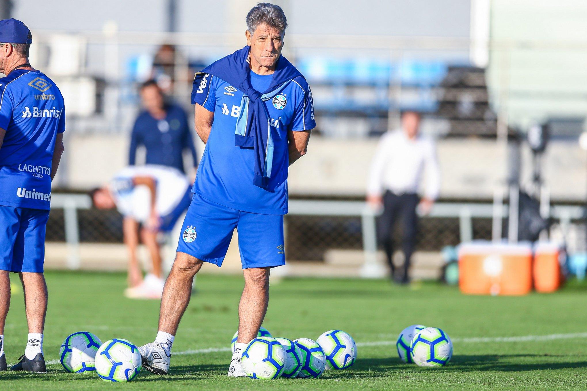 Renato Portaluppi mantém o discurso de que o time tem o melhor futebol do Brasil