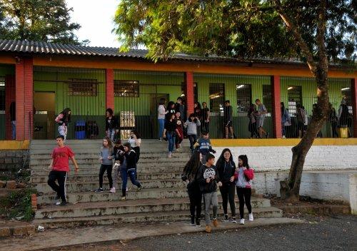 Escola recorre a doações da comunidade