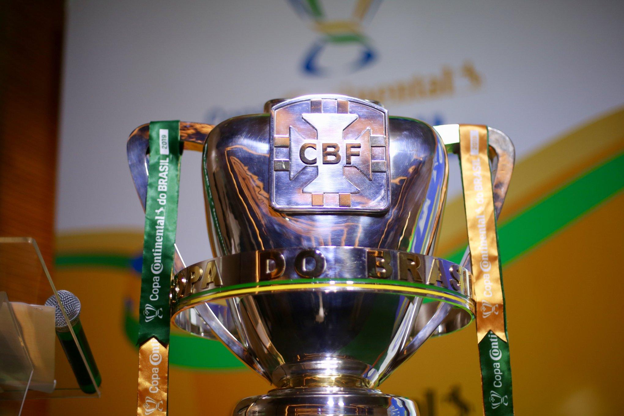 Resultado de imagem para Cruzeiro e Internacional iniciam semifinais da Copa do Brasil