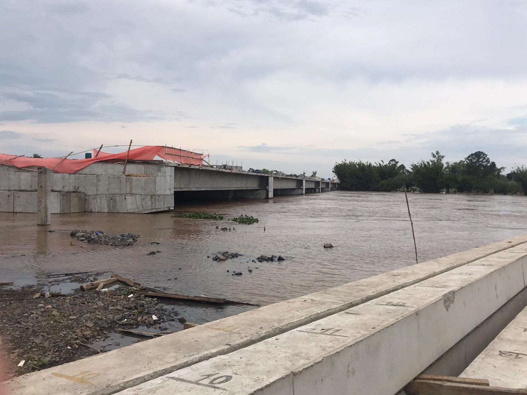 Guaíba sobe e trecho mais baixo da obra da nova Ponte já impede a passagem de embarcações - Jornal NH