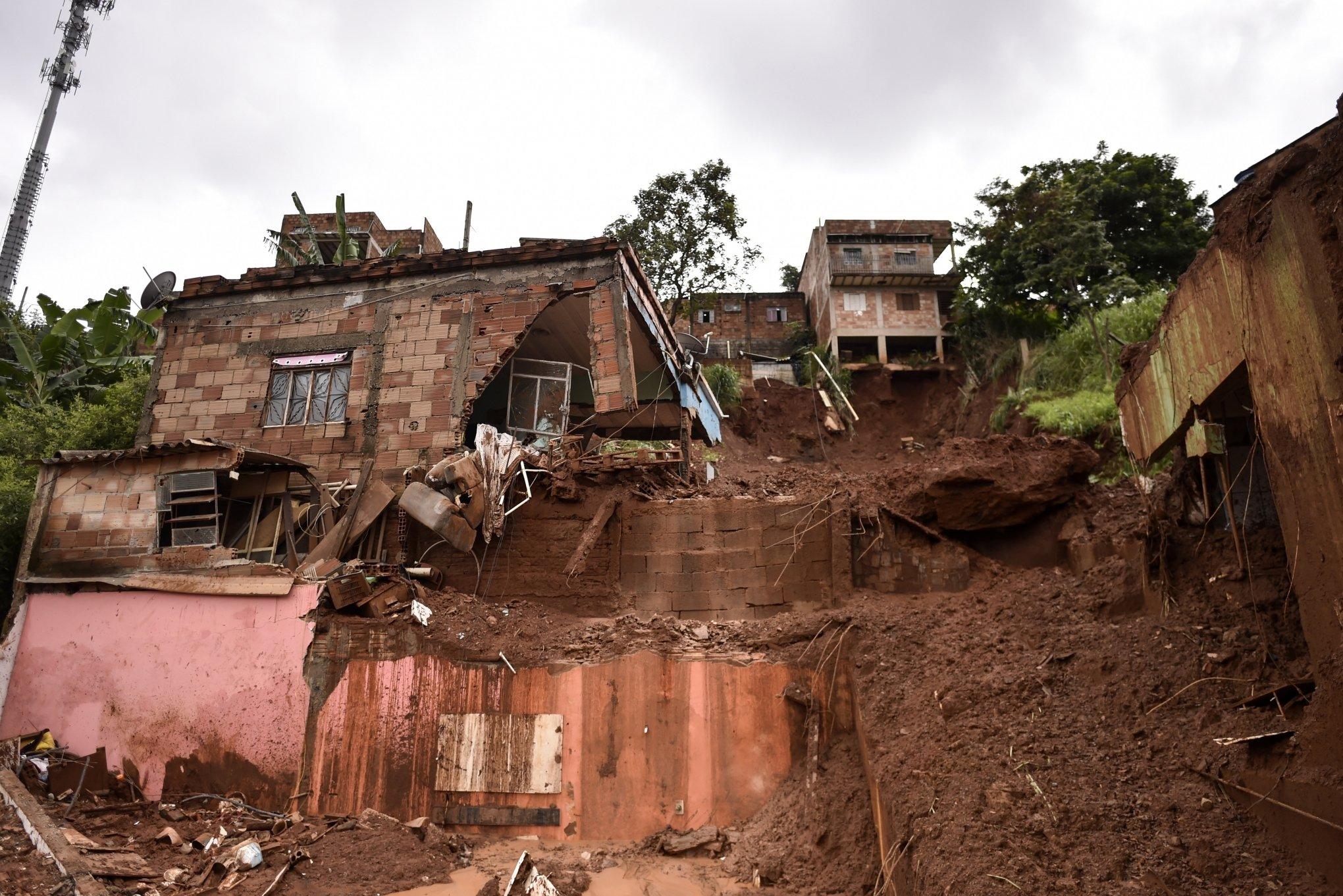 É triste o cenário de destruição em Minas