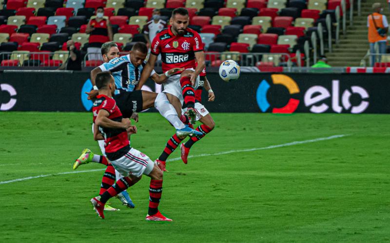 Grêmio e Flamengo se enfrentam no Maracanã